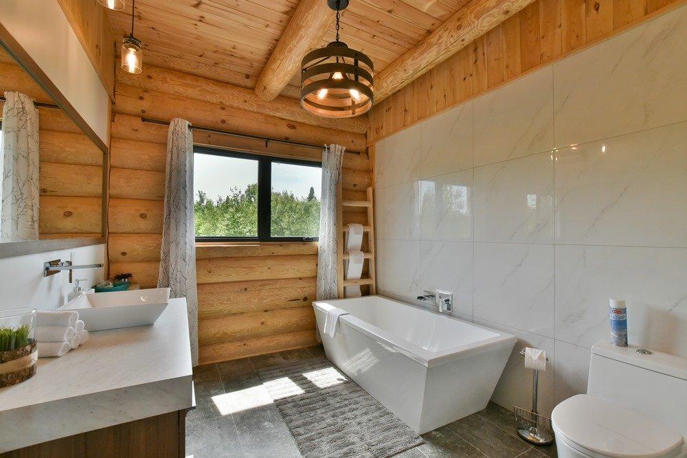 Chalet en bois rond Le Perséides - Salle de bain principale
