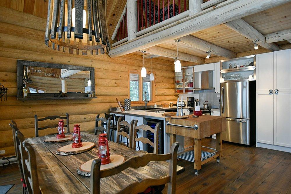 Chalet en bois rond Le Pinecone - Salle à Manger