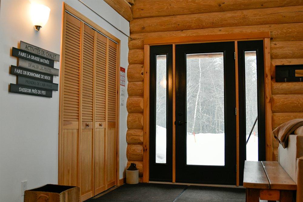 Chalet en bois rond Le Pinecone - Hall d'Entrée