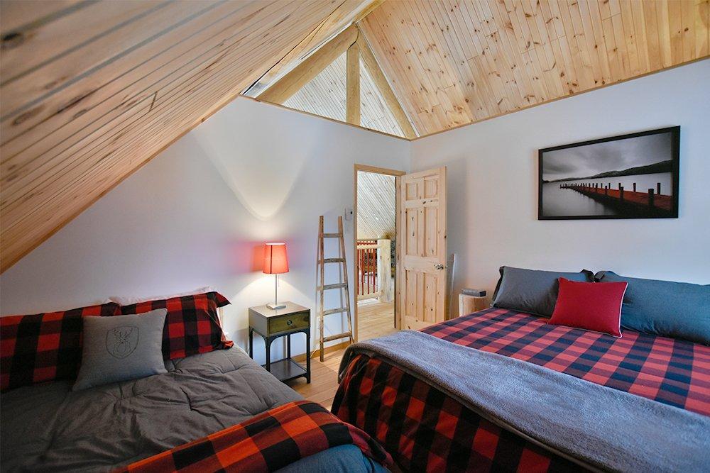 Chalet en bois rond Le Pinecone - Chambre avec 2 lits-3
