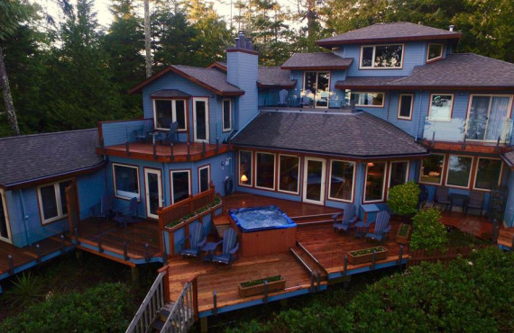 A Snug Harbour Inn, Ucluelet, BC