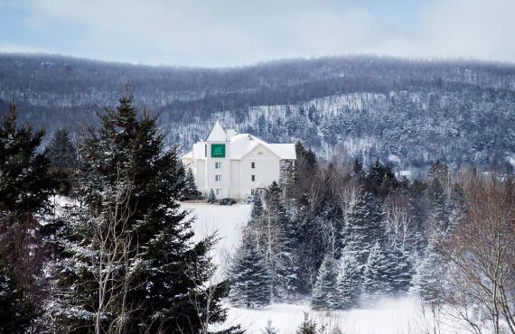 AX Hôtel Mont-Tremblant, QC