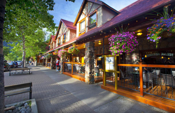 Bayshore Inn Resort & Spa, Waterton lakes, AB