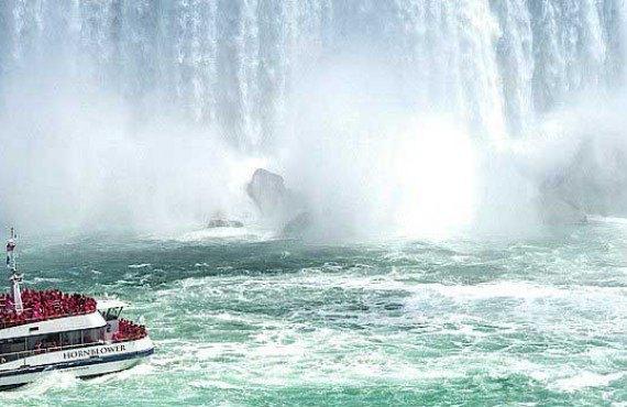 1-croisiere-niagara-falls-hornblower.jpg
