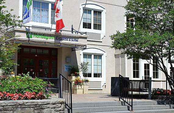 Holiday Inn Express & Suites Tremblant, QC