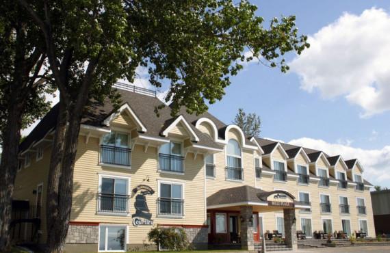 Hôtel le Manoir Belle Plage, Carleton s/ mer, QC