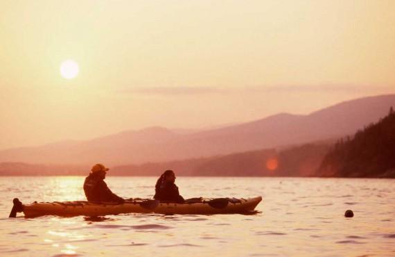 Kayak de mer au coucher de soleil, Parc Forillon