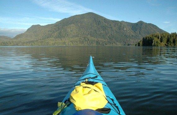 Kayak de mer sur le Pacifique