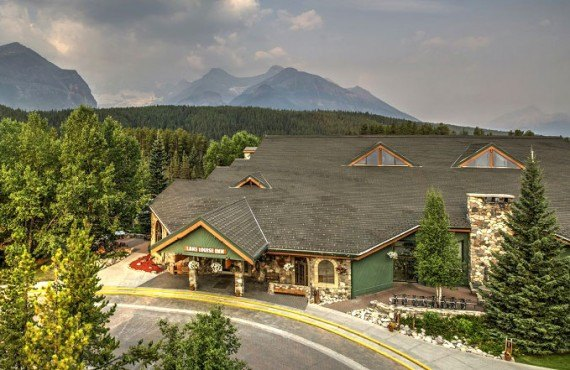 1-lake-louise-inn-2