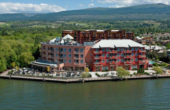 1-manteo-resort-spa-kelowna-ext