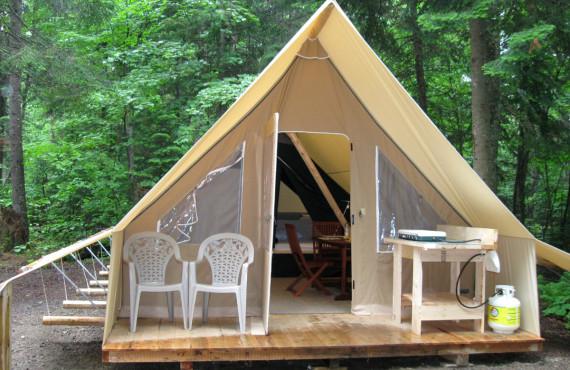 Huttopia tent