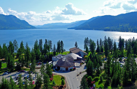 Skwachàys Lodge, Chase, BC