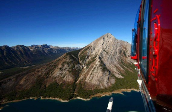 1-survol-helicoptere-rocheuses-banff.jpg