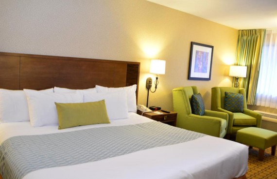 2-accent-inn-vancouver-airp