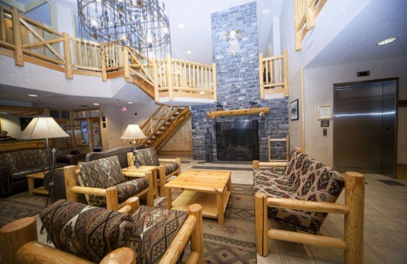 Brewster's Mountain Lodge - Lobby