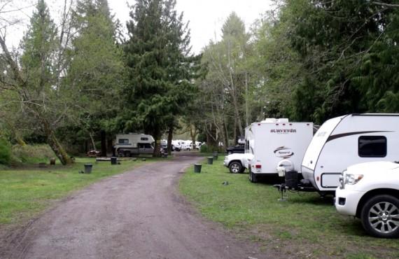 2-camping-cedar-grove