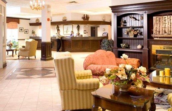 2-chateau-moncton-lobby