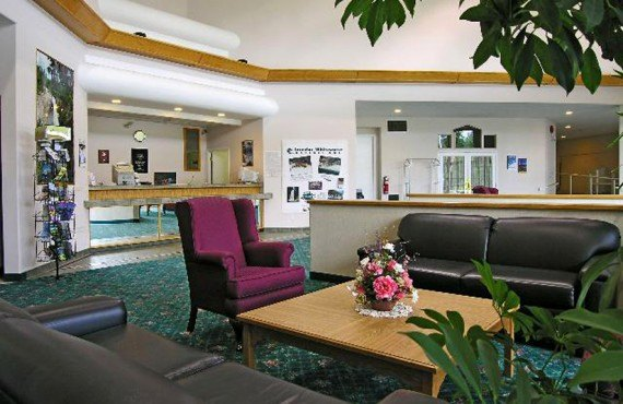 Clearwater Lodge - Lobby