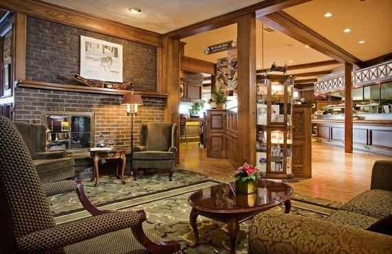 Crest Hotel - Lobby