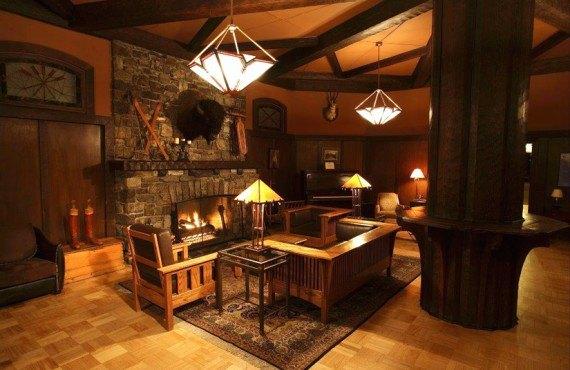 Deer Lodge - Lobby