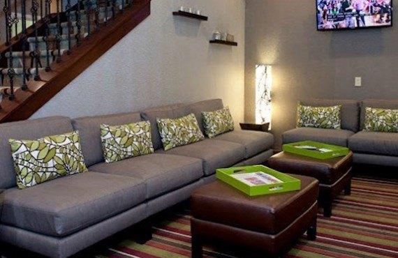 EnVision Hotel - Lobby
