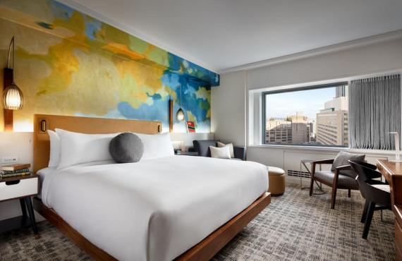 Chambre très grand lit