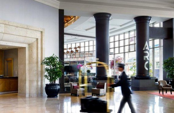 2-fairmont-waterfront-lobby-2