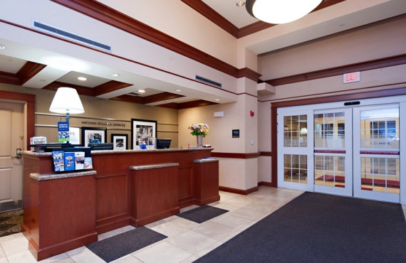 2-hampton-inn-north-conway-reception