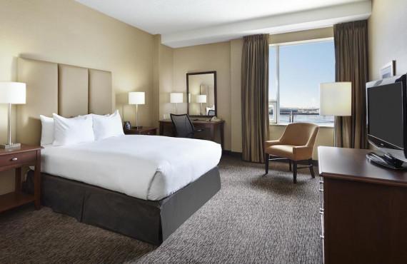 Chambre lit King, vue sur le port