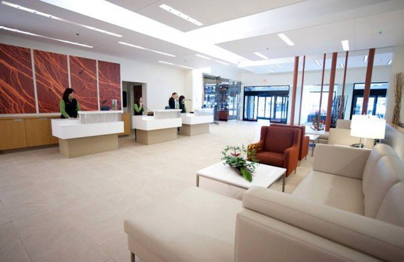 Holman Grand Hotel - Lobby