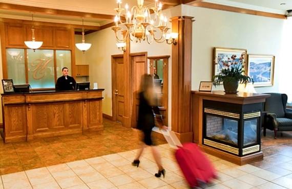 2-hotel-commandants-reception