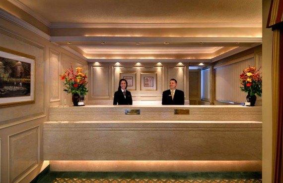 2-royal-scott-hotel-suites-lobby