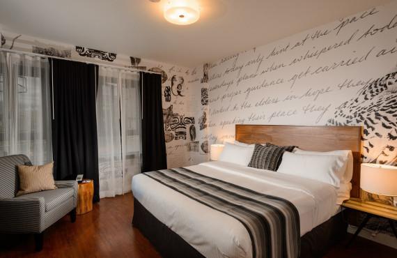 Poem Suite - King bed