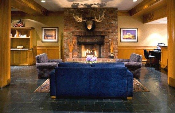 Whistler Village Inn - Lobby