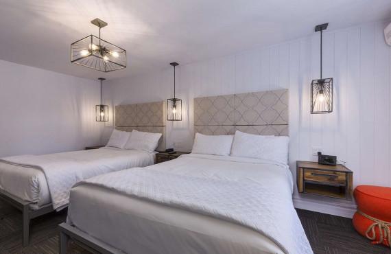 Chambre régulière - 2 lits doubles