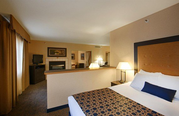 Best Western Grant Creek Inn - Suite
