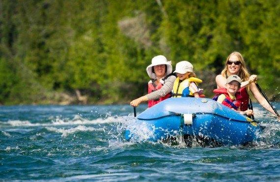 3-canot-riviere-bonaventure-famille.jpg