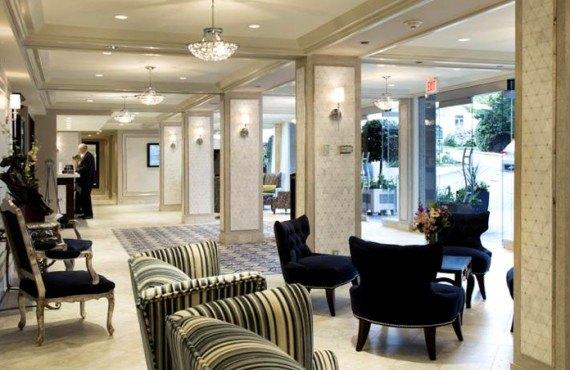 Chateau Victoria Hotel - Lobby
