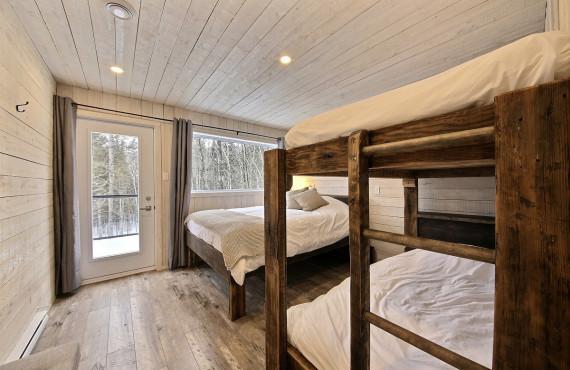 Deux lits simples superposés