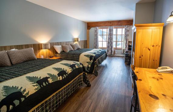 2 king lodge room