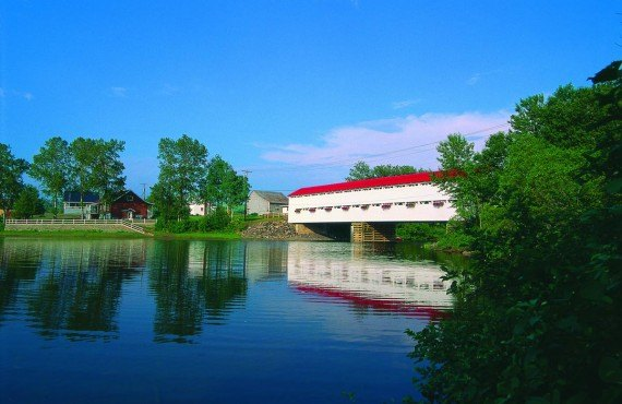Covered bridge, Baie des Chaleurs