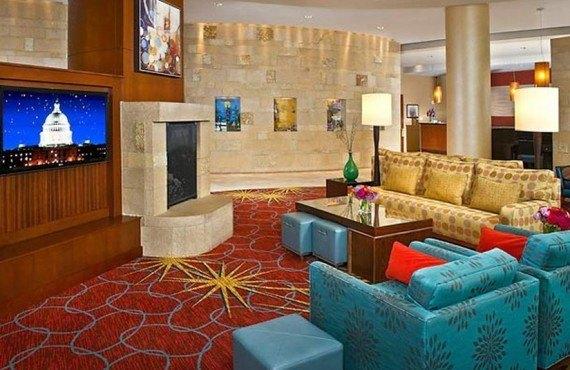 3-residence-inn-capitol-wah-lobby