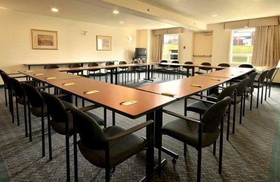 Super 8 Caraquet - Salle de réunion