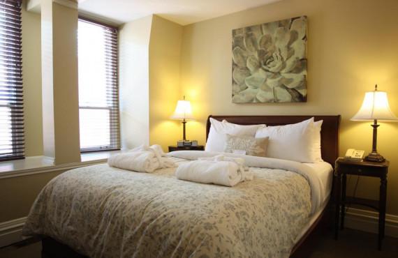 Suite 1 lit