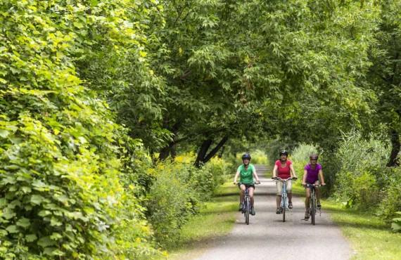 4-camping-parc-iles-boucherville-velo