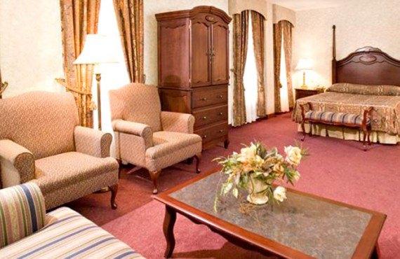 4-chateau-moncton-suite