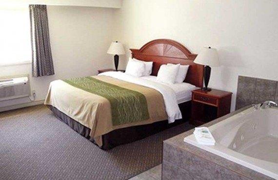 Comfort Inn & Suites - Suite avec bain tourbillon