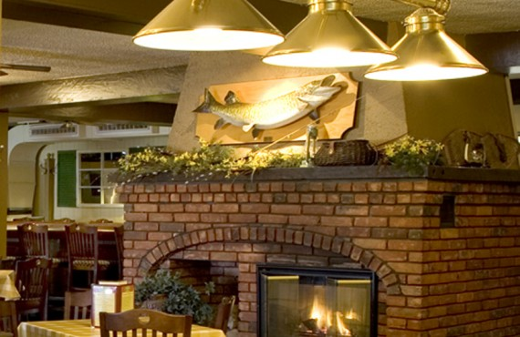 Gananoque Inn & Spa - Muskie Jacke's Tap and Grill