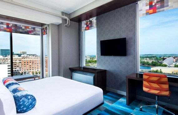 4-hotel-aloft-boston-ch