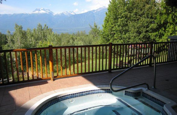 Outdoor hot tubs